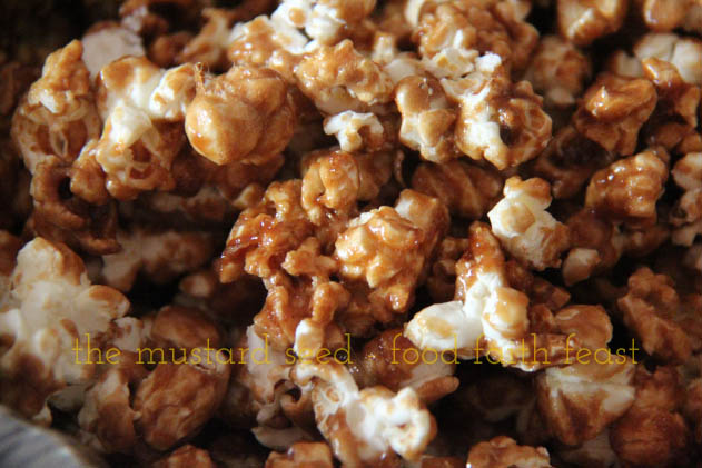 Holiday Caramel Popcorn
