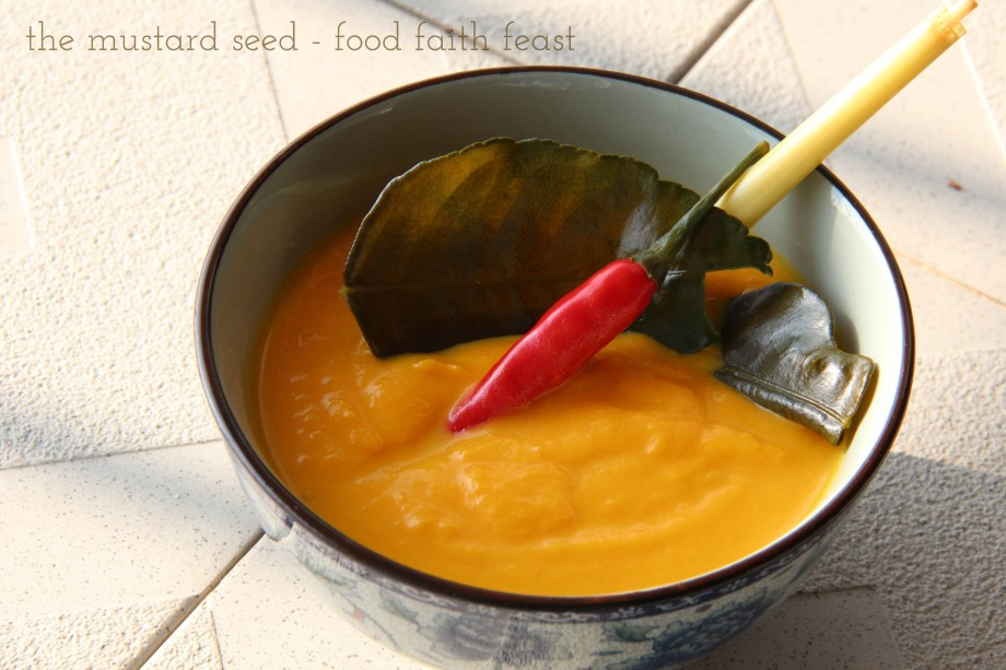 Super Quick Pureed Thai Pumpkin Carrot Soup